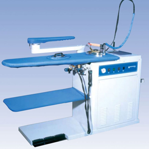 Ironing table with sleeve arm
